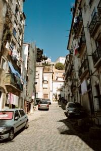 ptg2001_102_lisbona_quartiere_alfama
