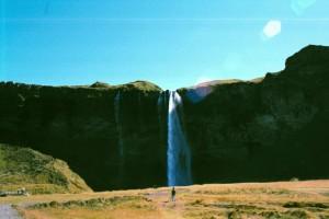 isl2002_5_13_Verso_Reykjavik_Cascate