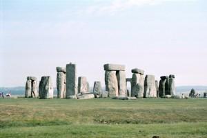 crn2003_102_stonehenge2