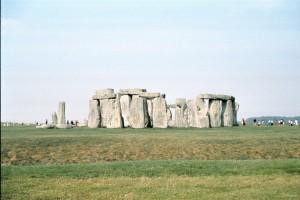 crn2003_103_stonehenge3