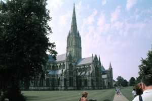 crn2003_106_salisbury_cattedrale1