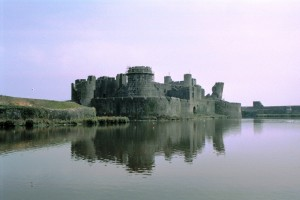 crn2003_118_caerphilly_castle1