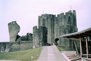 crn2003_119_caerphilly_castle2