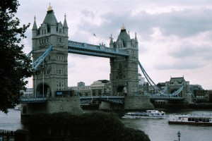 crn2003_209_london_tower_bridge