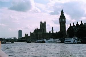 crn2003_216_london_parliament_house