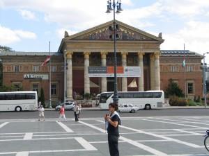 dan2006_069_budapest_piazza_eroi