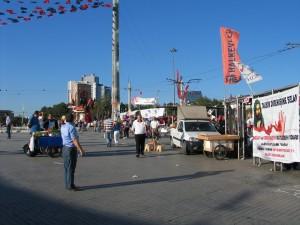 IMG_001_Istanbul_Piazza_Taksim
