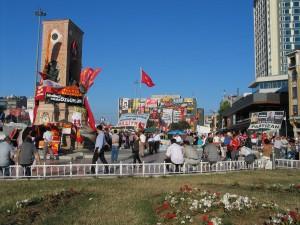 IMG_005_Istanbul_Piazza_Taksim