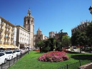 3_Plaza_de_la_Reina_DSCN0960