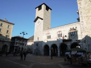 Como_080_Duomo_022_Broletto