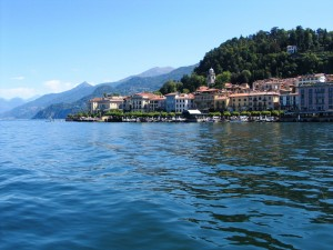 Lago_di_Como_Bellagio_2011_Panoramica