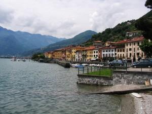 Lago_di_Como_Domaso_2007_lungolago